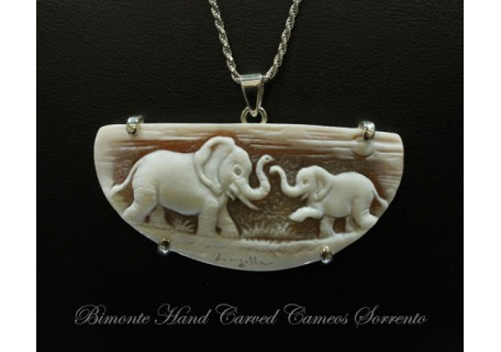 """Elefanti"" Cameo Necklace"