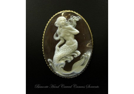 """Listen to My Song"" Cameo Brooch and Pendant"