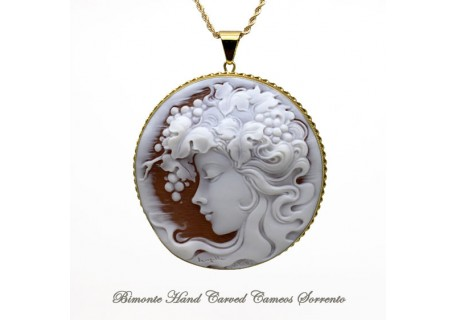 """Beira"" Cameo Necklace Balance"