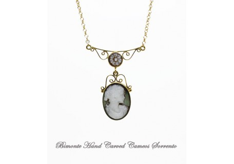 """""""Filigrana"""" Mother of Pearl Cameo Necklace"""
